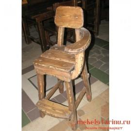 "Барный стул под старину из массива дерева ""Божен"""