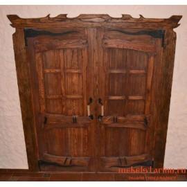 """Дверь под старину из массива дерева """"Избора"""""""