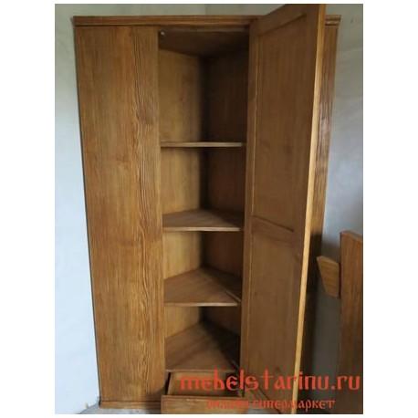 """Шкаф под старину из массива дерева """"Кочет"""""""